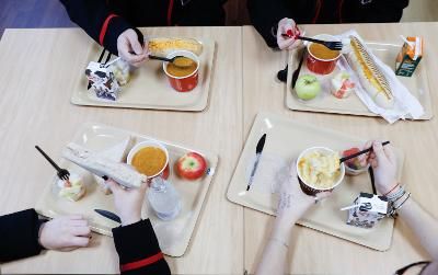 Table of pupils with lunch